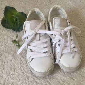 Pony white tennis shoes